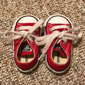 Red infant converse size 2